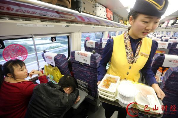 上海高铁开卖8元三明治:首日销量占供给一半以上
